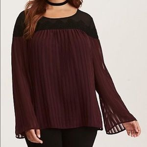 NWT Torrid Bell Sleeve Blouse Size 2 (18/20)